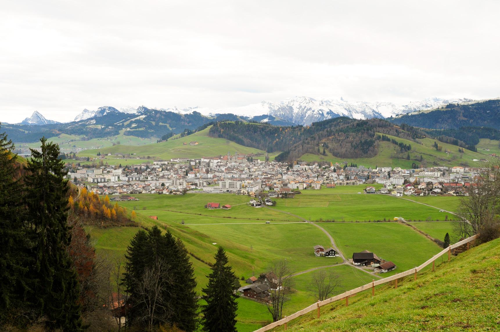 Wunderschöner Ausblick vom Katzenstrick nach Einsiedeln im Kanton Schwyz